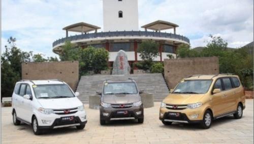 图为三款五菱宏光S车型-预计售5.5万起 五菱宏光S于8月6日上市