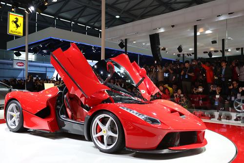 法拉利特别限量版系列laferrari在第15届上海国际车展举行盛大高清图片
