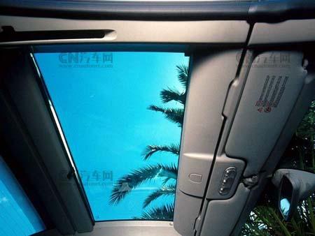 顶敞篷车风潮,m-benz甚至推出200万的sl55 amg顶级硬顶敞篷,高清图片